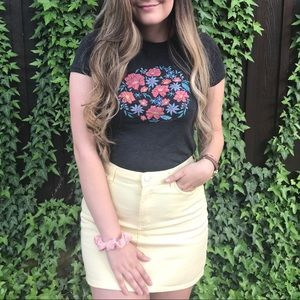 PASTEL YELLOW DENIM SKIRT